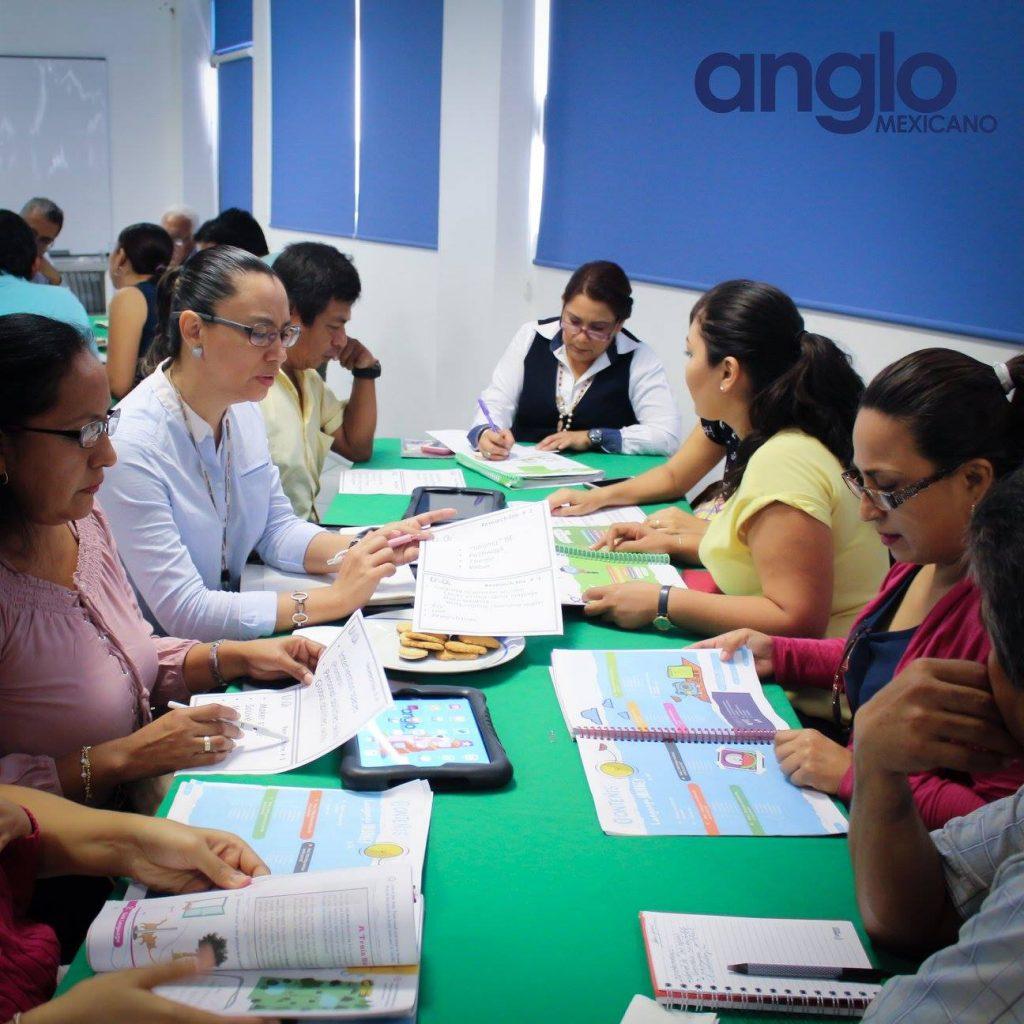 clase sistema uno con padres colegio anglo mexicano de coatzacoalcos 2