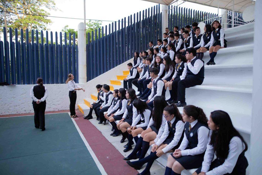 EscuelasEncoatza_BachilleratoAngloMexicano_PrepaCam_Bienvenida_Inicio_de_Clases_AngloMexicano_Tu_Conexion_almundo_highschool-2