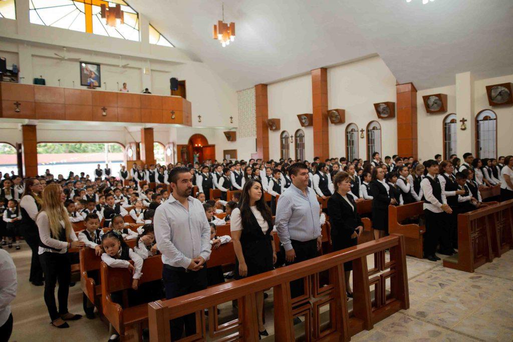 EscuelasEncoatza_Jardin_de_nniñosAngloMexicano_PrepaCam_Bienvenida_Inicio_de_Clases_AngloMexicano_Tu_Conexion_almundo_highschool_Secundaria_primaria-51