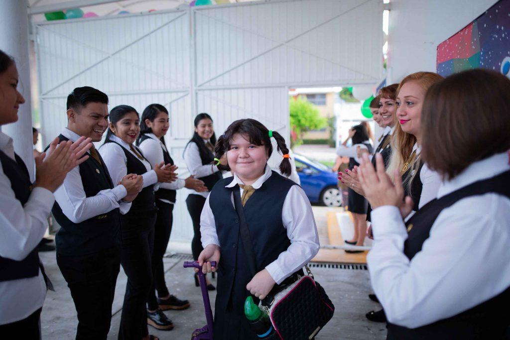 EscuelasEncoatza_Jardin_de_nniñosAngloMexicano_PrepaCam_Bienvenida_Inicio_de_Clases_AngloMexicano_Tu_Conexion_almundo_highschool_Secundaria_primaria-8