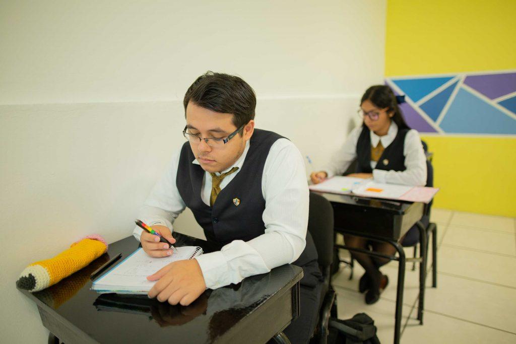 EscuelasEncoatza_Jardin_de_nniñosAngloMexicano_PrepaCam_Bienvenida_Inicio_de_Clases_AngloMexicano_Tu_Conexion_almundo_highschool_Secundaria_primaria-80