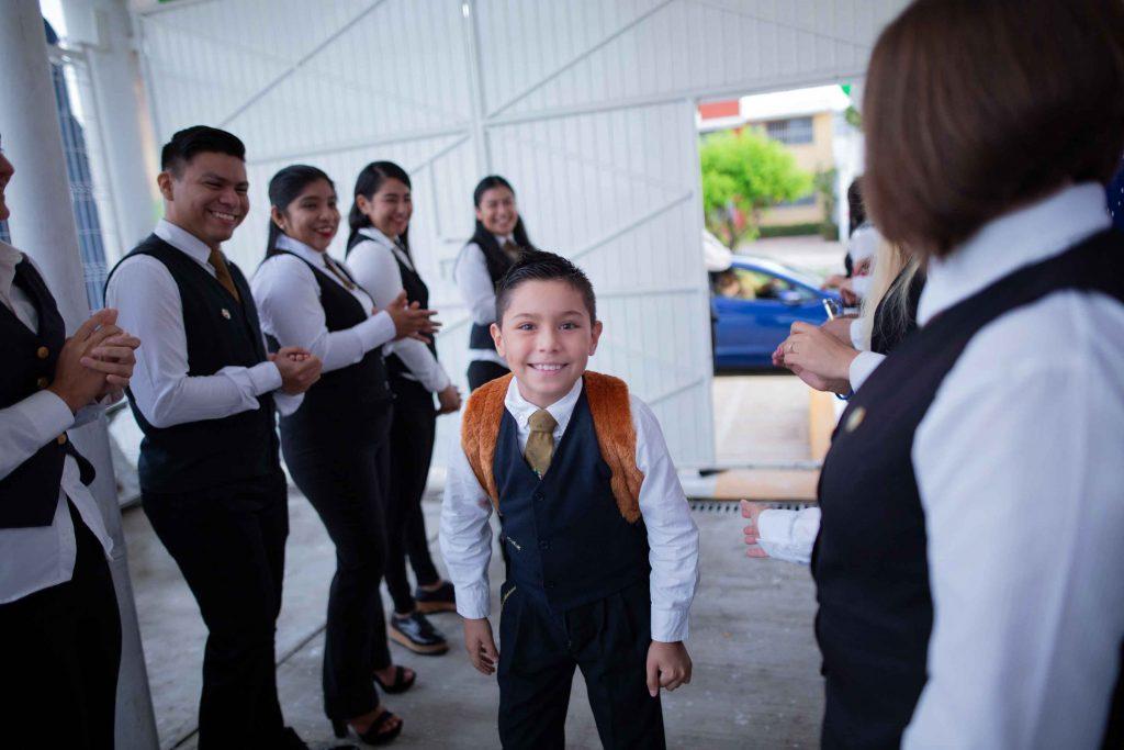 EscuelasEncoatza_Jardin_de_nniñosAngloMexicano_PrepaCam_Bienvenida_Inicio_de_Clases_AngloMexicano_Tu_Conexion_almundo_highschool_Secundaria_primaria-9
