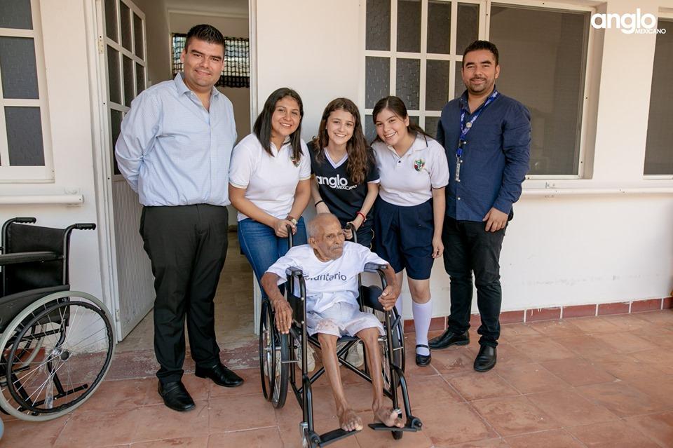 Colegio Anglo Mexicano de Coatzacoalcos - Donación del día del abuelo - 2019 - 4