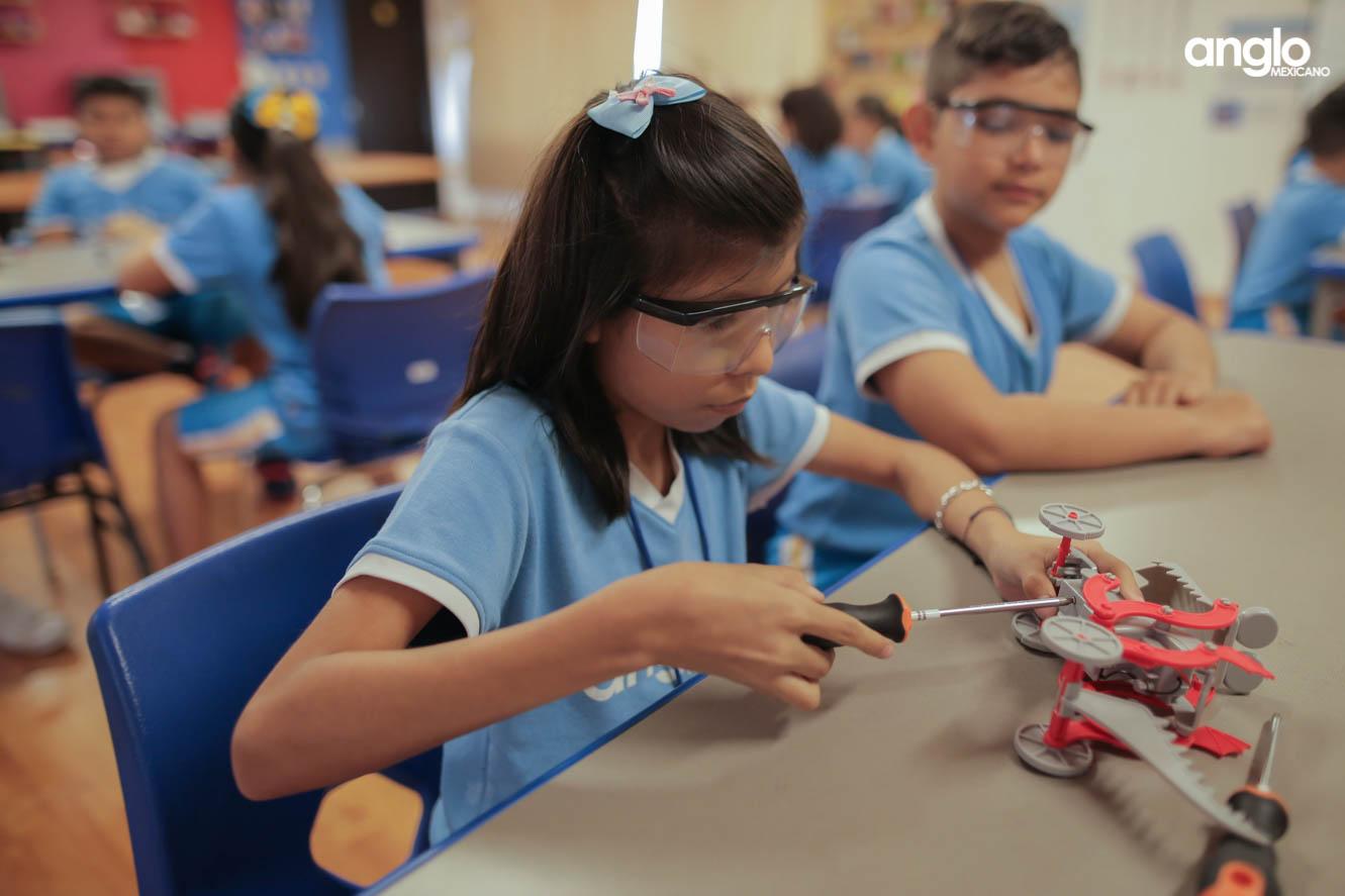 Colegio Anglo Mexicano de Coatzacoalcos - primaria - elementary school - robotica - 6