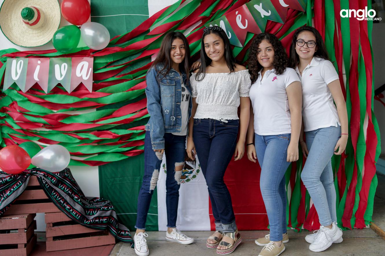 ANGLO MEXICANO DE COATZACOALCOS-BACHILERATO-MAÑANITAS MEXICANAS-08008