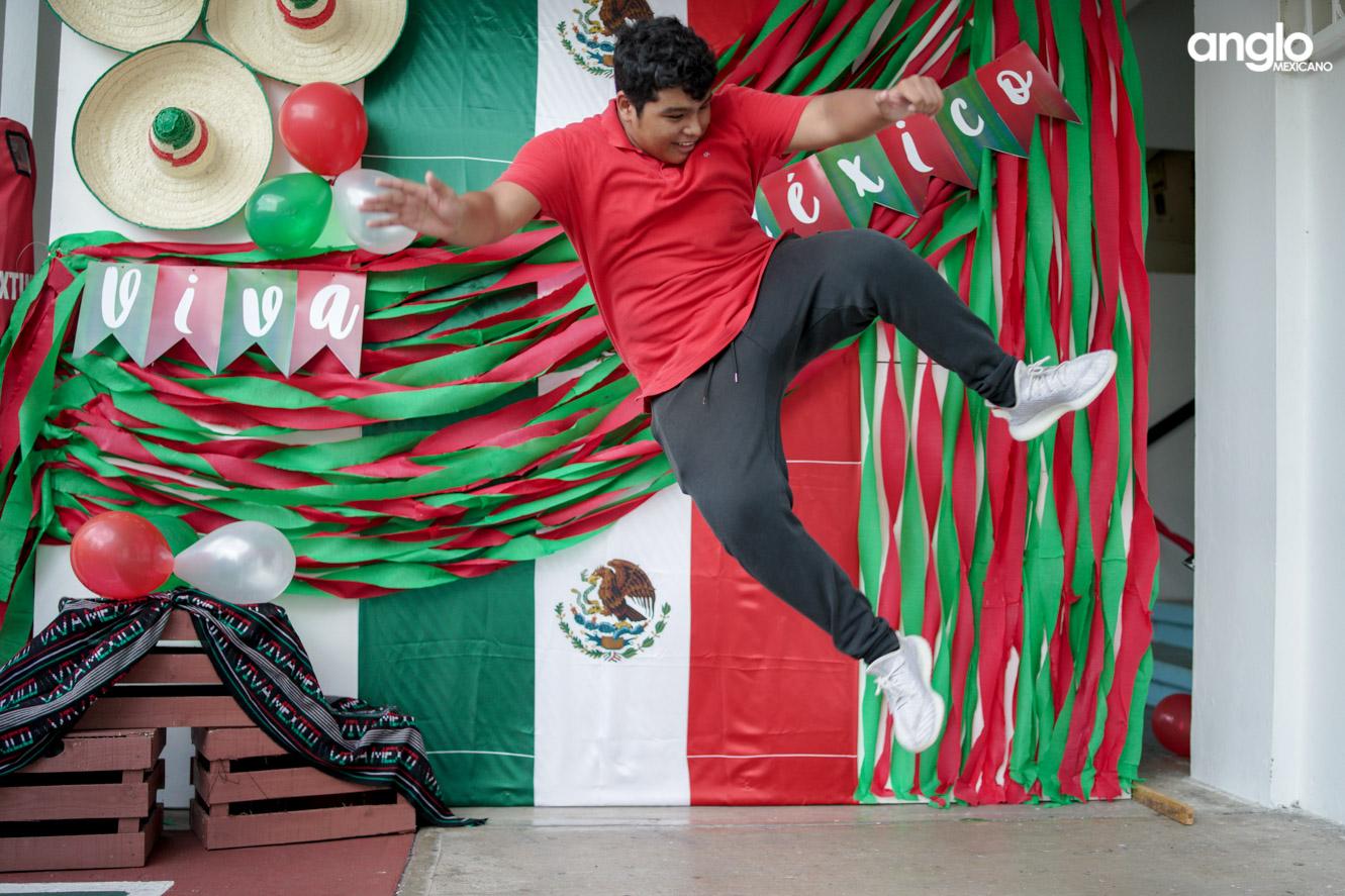 ANGLO MEXICANO DE COATZACOALCOS-BACHILERATO-MAÑANITAS MEXICANAS-08106