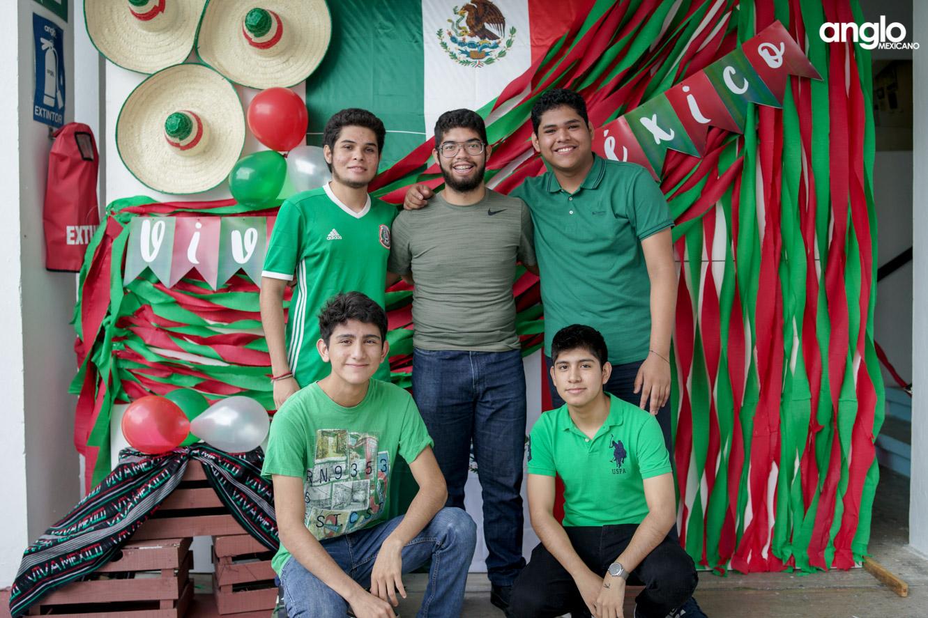 ANGLO MEXICANO DE COATZACOALCOS-BACHILERATO-MAÑANITAS MEXICANAS-08122