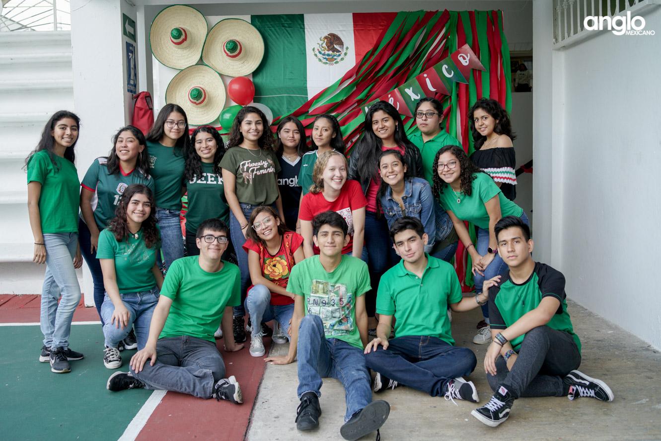 ANGLO MEXICANO DE COATZACOALCOS-BACHILERATO-MAÑANITAS MEXICANAS-08183