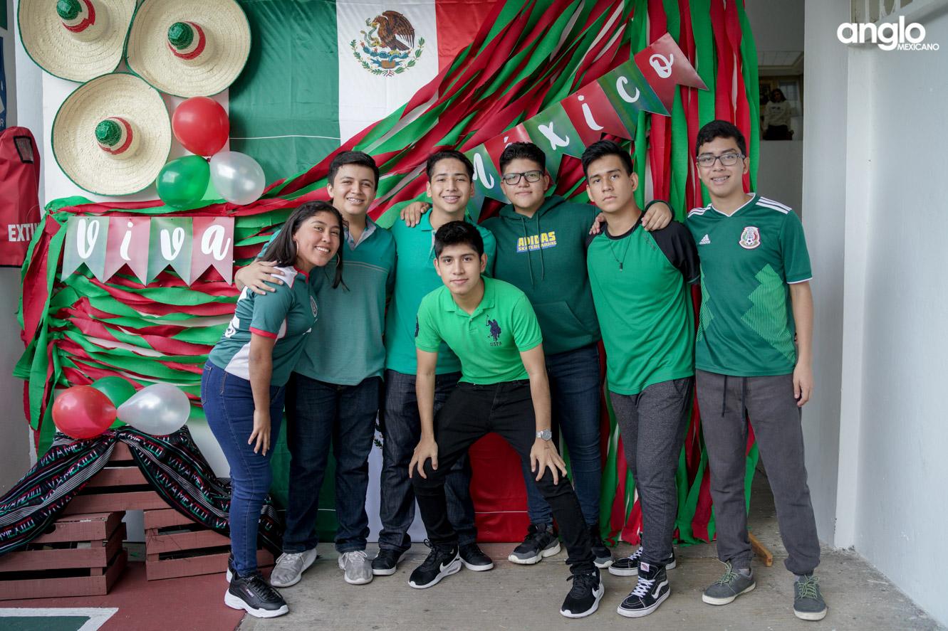 ANGLO MEXICANO DE COATZACOALCOS-BACHILERATO-MAÑANITAS MEXICANAS-08195