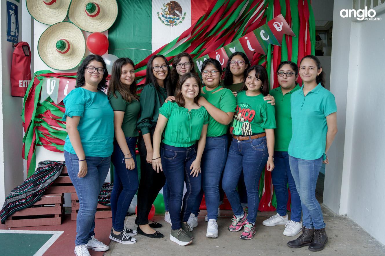 ANGLO MEXICANO DE COATZACOALCOS-BACHILERATO-MAÑANITAS MEXICANAS-08217