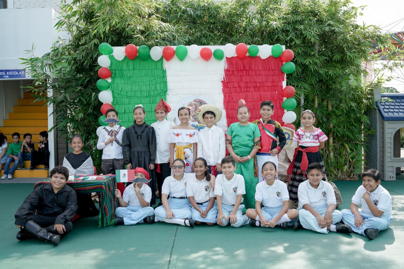ANGLO MEXICANO DE COATZACOALCOS-PRIMARIA-MAÑANITAS MEXICANAS-08270