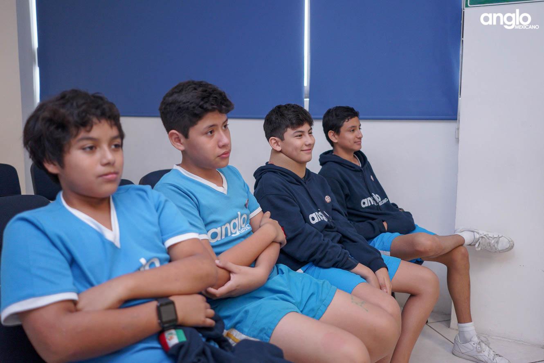 COLEGIO ANGLO MEXICANO DE COATZACOALCOS-SECUNDARIA-SEMANA DE LA LECTURA-STAND UP-06161