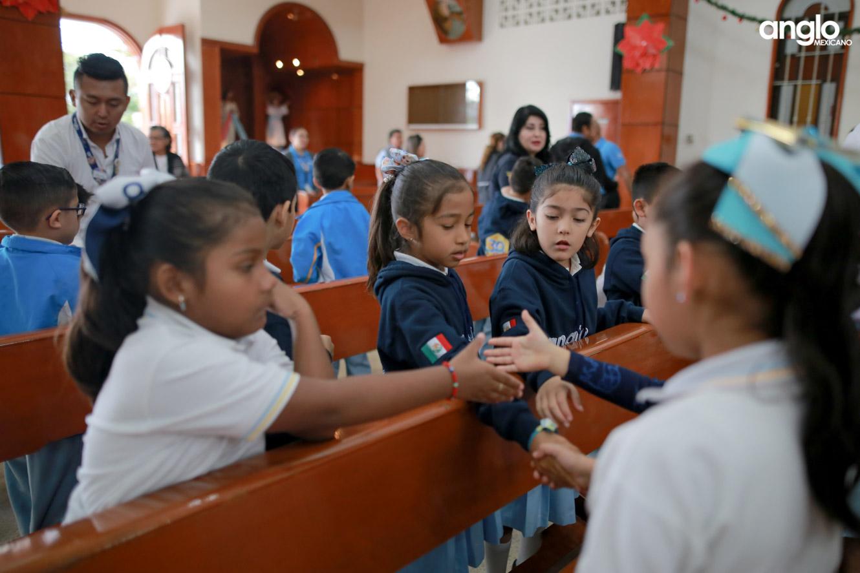 COLEGIO ANGLO MEXICANO DE COAZACOALCOS-MISA DE AÑO NUEVO-0913
