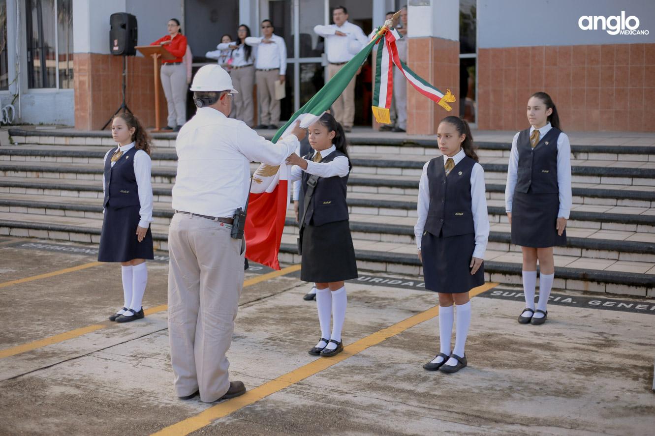 COLEGIO ANGLO MEXICANO DE COAZACOALCOS-SECUNDARIA-ESCOLTA-0173