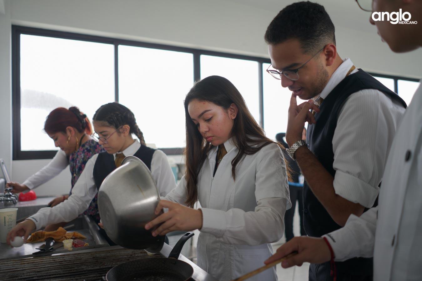 COLEGIO ANGLO MEXICANO DE COATZACOALCOS-BACHILLERATO-CPT-PADRES DE FAMILIA-09667