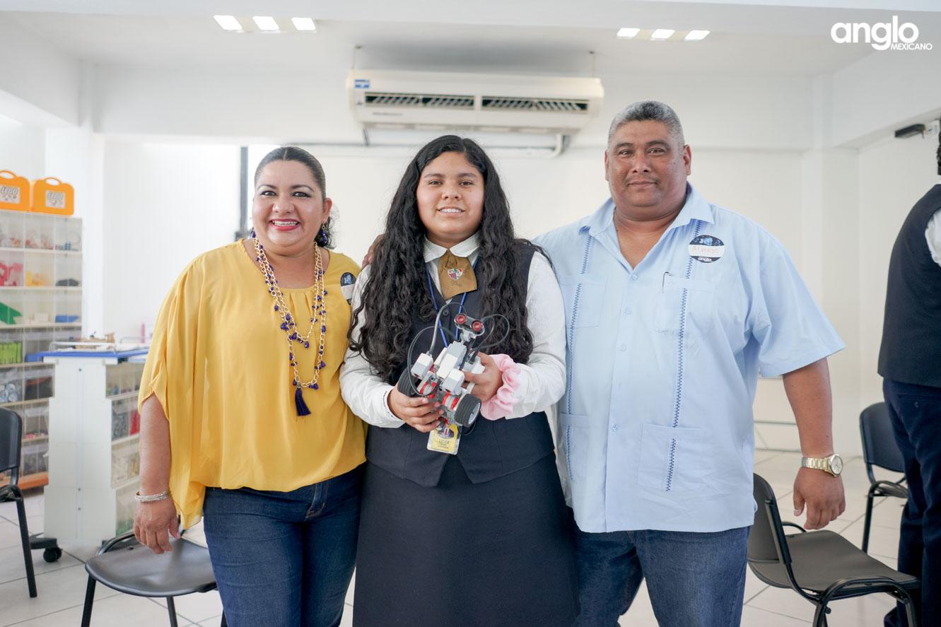 COLEGIO ANGLO MEXICANO DE COATZACOALCOS-BACHILLERATO-FAMILIAS ANGLO-02958