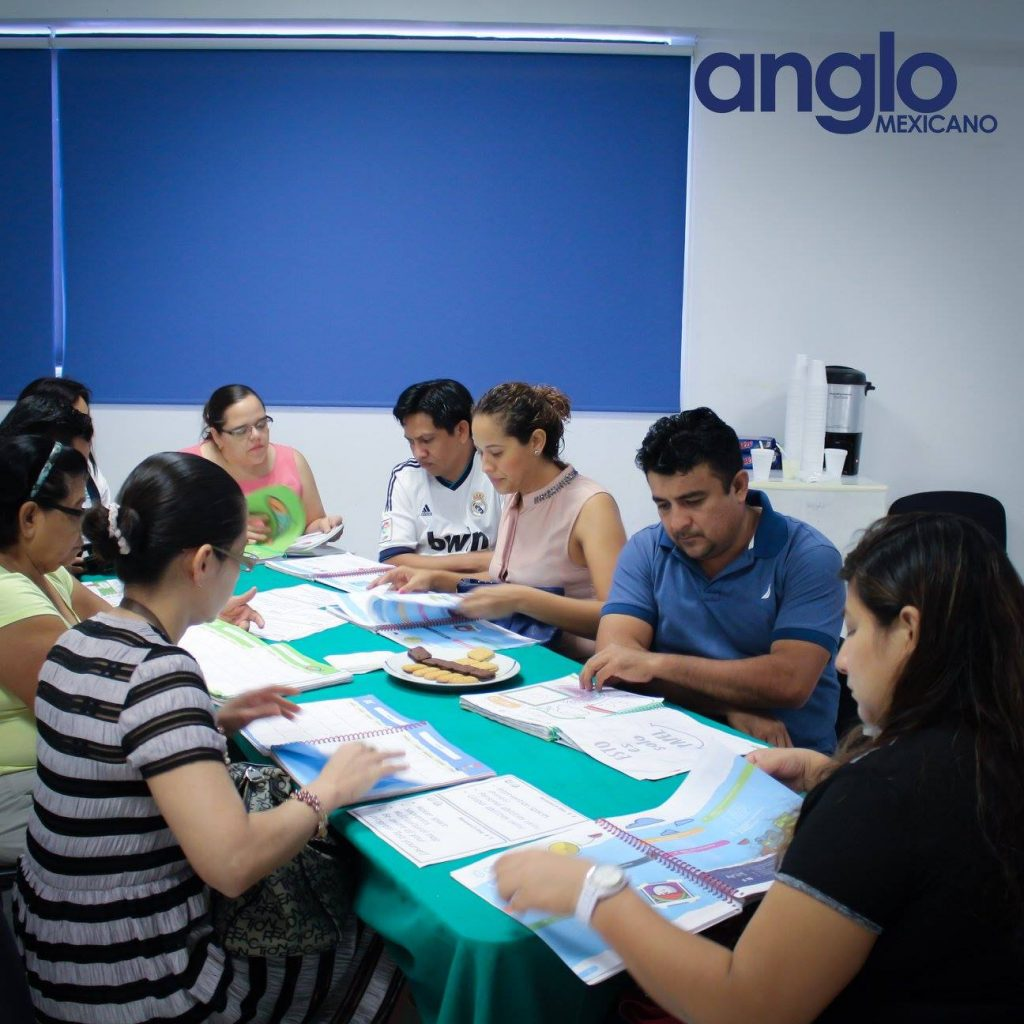 clase sistema uno con padres colegio anglo mexicano de coatzacoalcos 4