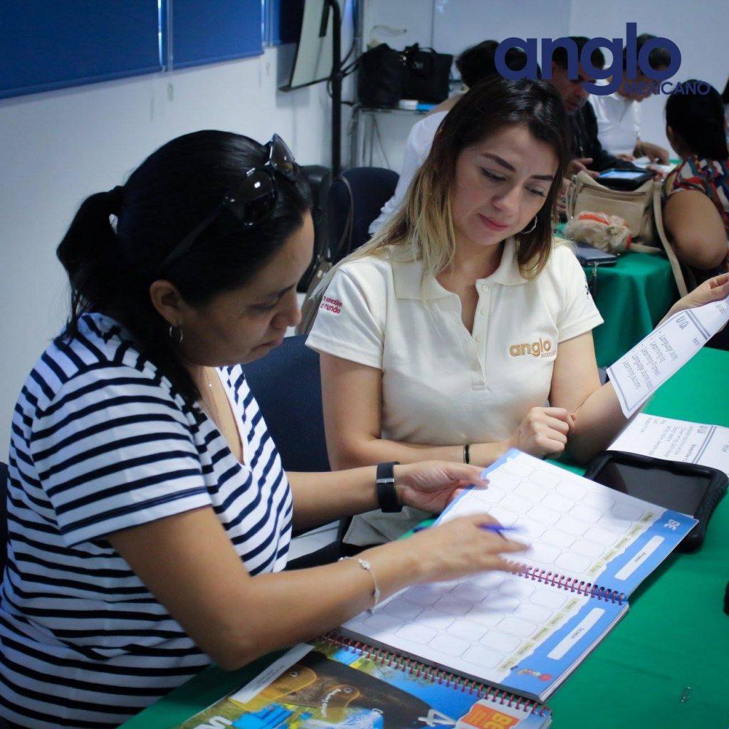 clase sistema uno con padres colegio anglo mexicano de coatzacoalcos 6