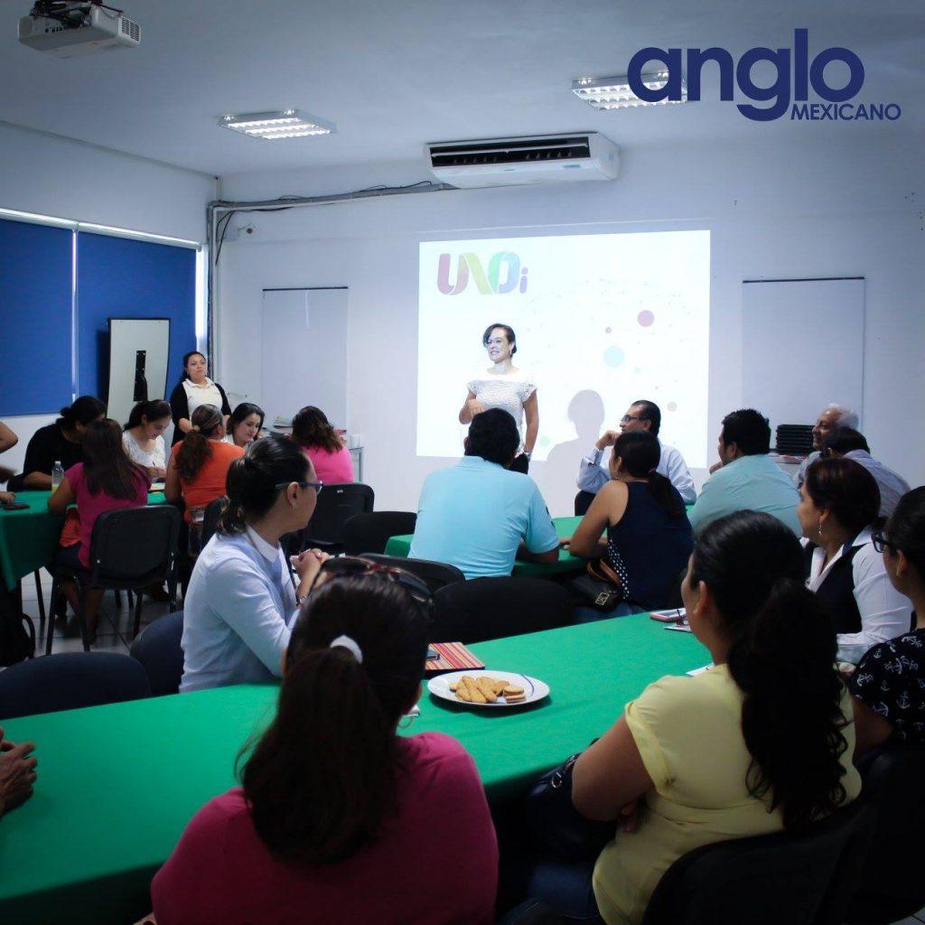 clase sistema uno con padres colegio anglo mexicano de coatzacoalcos 7