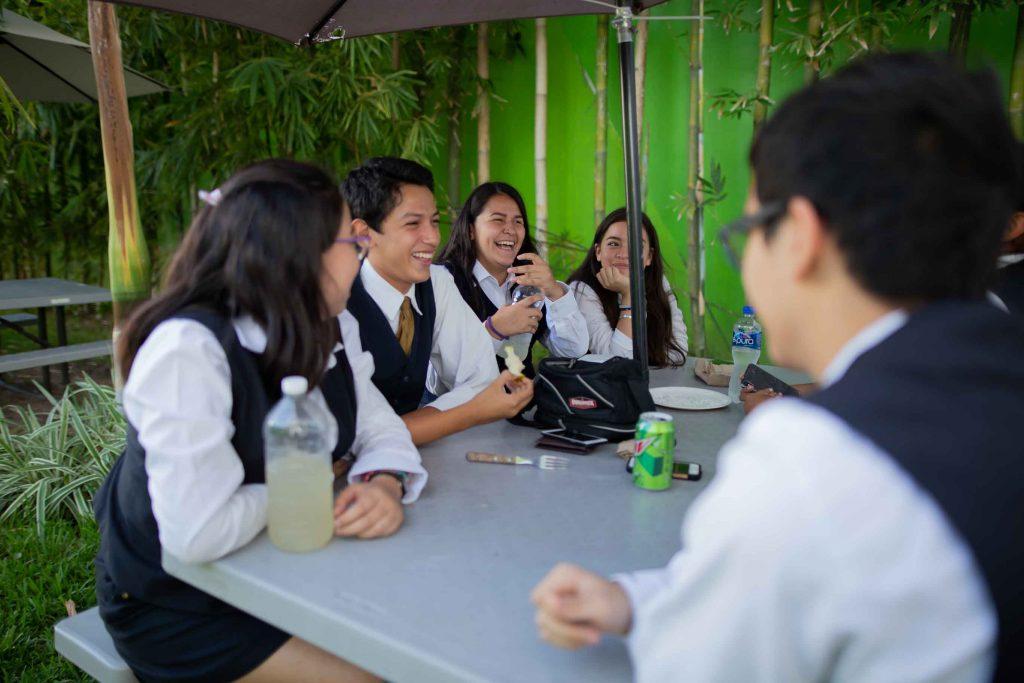 EscuelasEncoatza_BachilleratoAngloMexicano_PrepaCam_Bienvenida_Inicio_de_Clases_AngloMexicano_Tu_Conexion_almundo_highschool-8