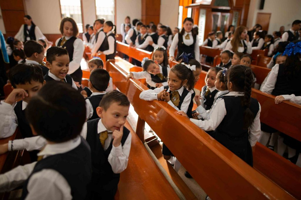 EscuelasEncoatza_Jardin_de_nniñosAngloMexicano_PrepaCam_Bienvenida_Inicio_de_Clases_AngloMexicano_Tu_Conexion_almundo_highschool_Secundaria_primaria-54