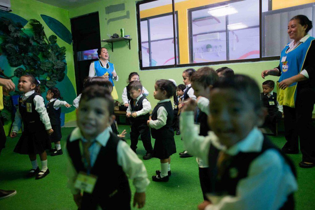 EscuelasEncoatza_Jardin_de_nniñosAngloMexicano_PrepaCam_Bienvenida_Inicio_de_Clases_AngloMexicano_Tu_Conexion_almundo_highschool_Secundaria_primaria-84