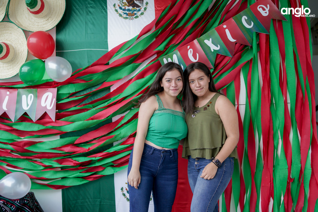 ANGLO MEXICANO DE COATZACOALCOS-BACHILERATO-MAÑANITAS MEXICANAS-08027
