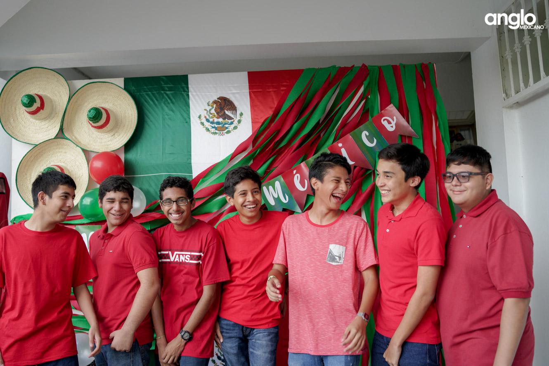 ANGLO MEXICANO DE COATZACOALCOS-BACHILERATO-MAÑANITAS MEXICANAS-08148