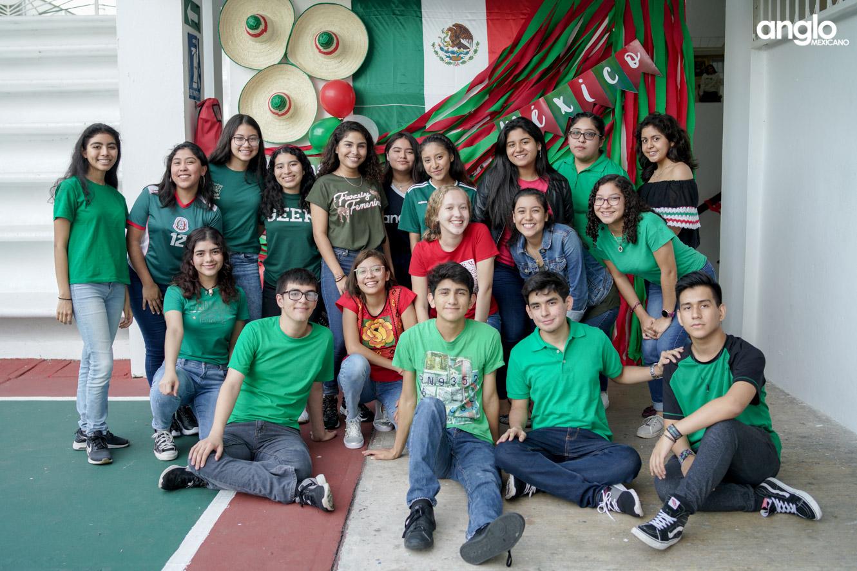 ANGLO MEXICANO DE COATZACOALCOS-BACHILERATO-MAÑANITAS MEXICANAS-08180