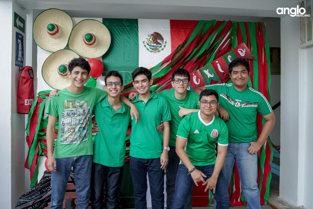 ANGLO MEXICANO DE COATZACOALCOS-BACHILERATO-MAÑANITAS MEXICANAS-08205