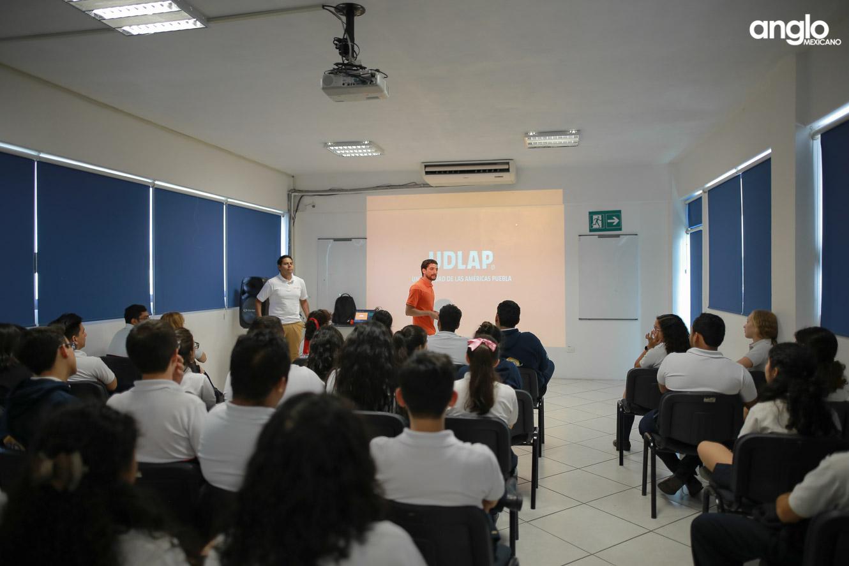 ANGLO MEXICANO DE COATZACOALCOS-BACHILLERATO-PLATICAS UDLAP-9970