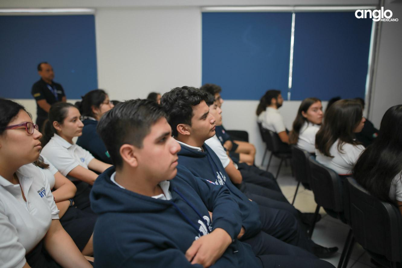 ANGLO MEXICANO DE COATZACOALCOS-BACHILLERATO-PLATICAS UDLAP-9986