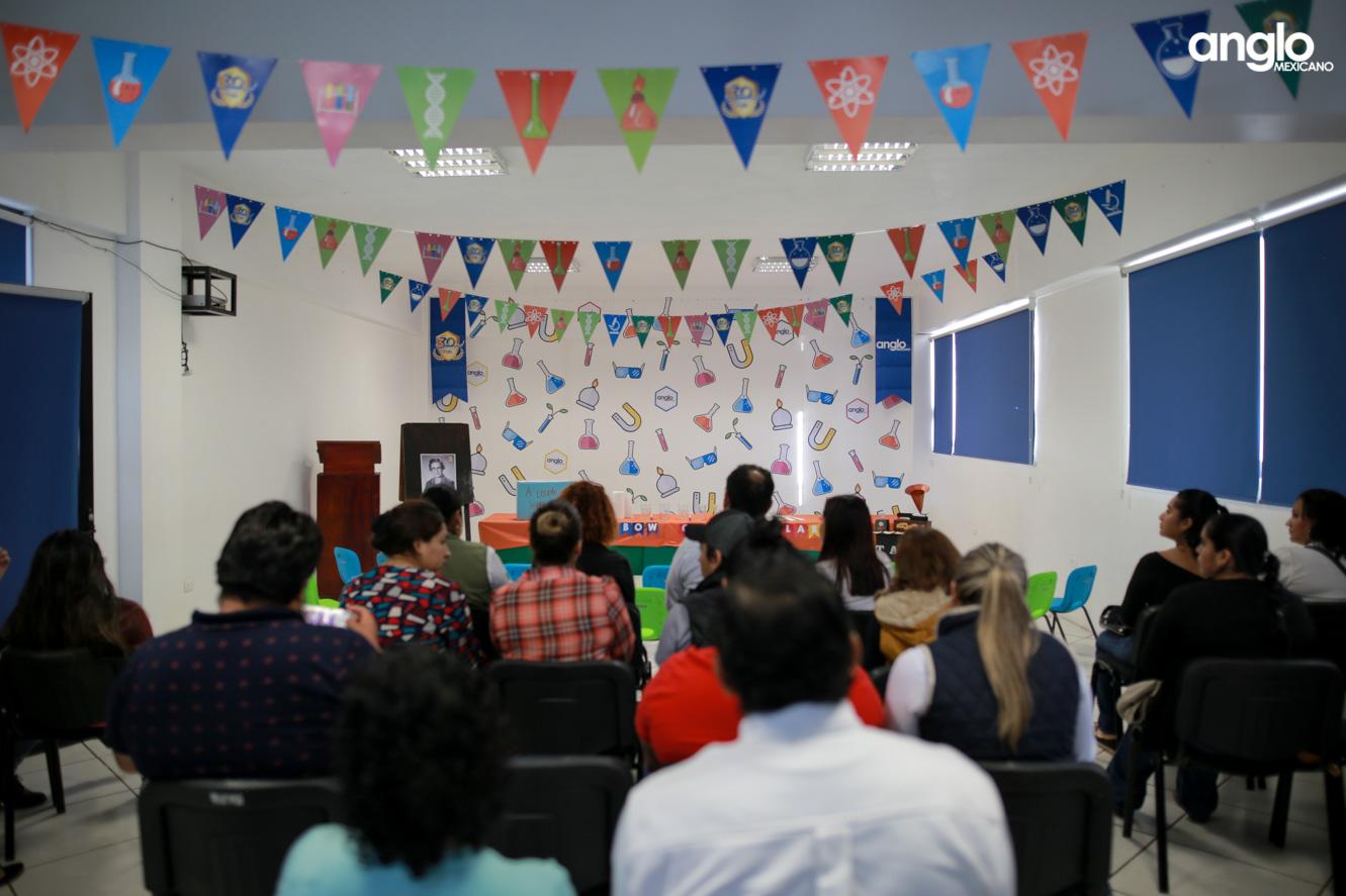 ANGLO MEXICANO DE COATZACOALCOS-PREESCOLAR-FERIA CIENTIFICA-0712