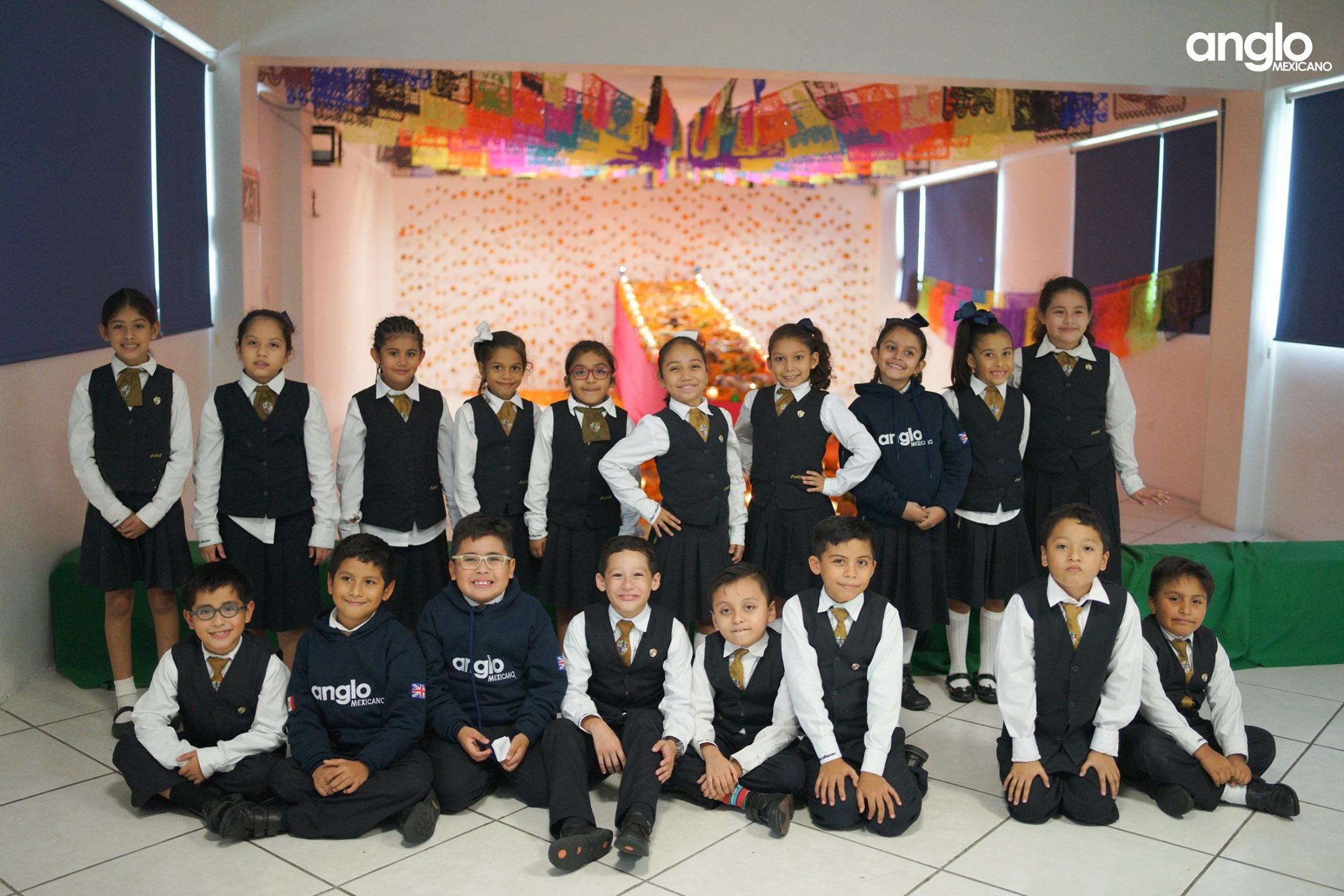 ANGLO MEXICANO DE COATZACOALCOS-VISITA-ALTARES-001