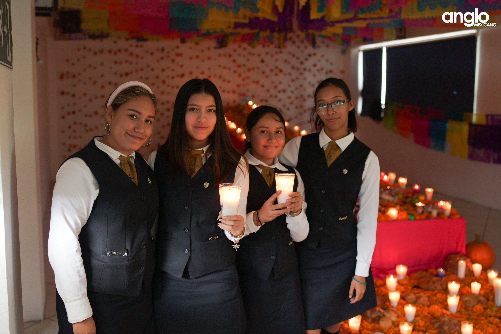 ANGLO MEXICANO DE COATZACOALCOS-VISITA-ALTARES-003