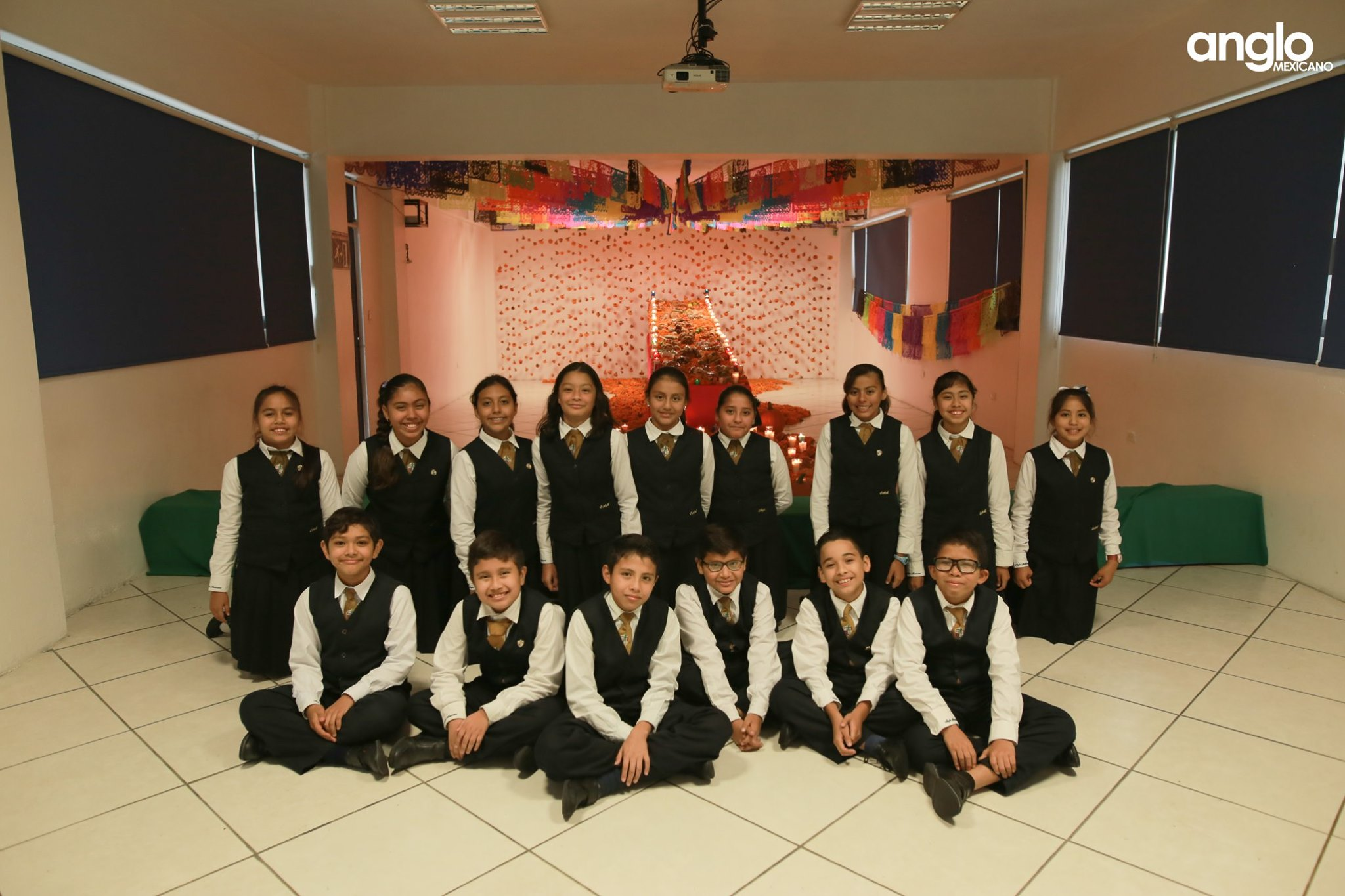 ANGLO MEXICANO DE COATZACOALCOS-VISITA-ALTARES-004