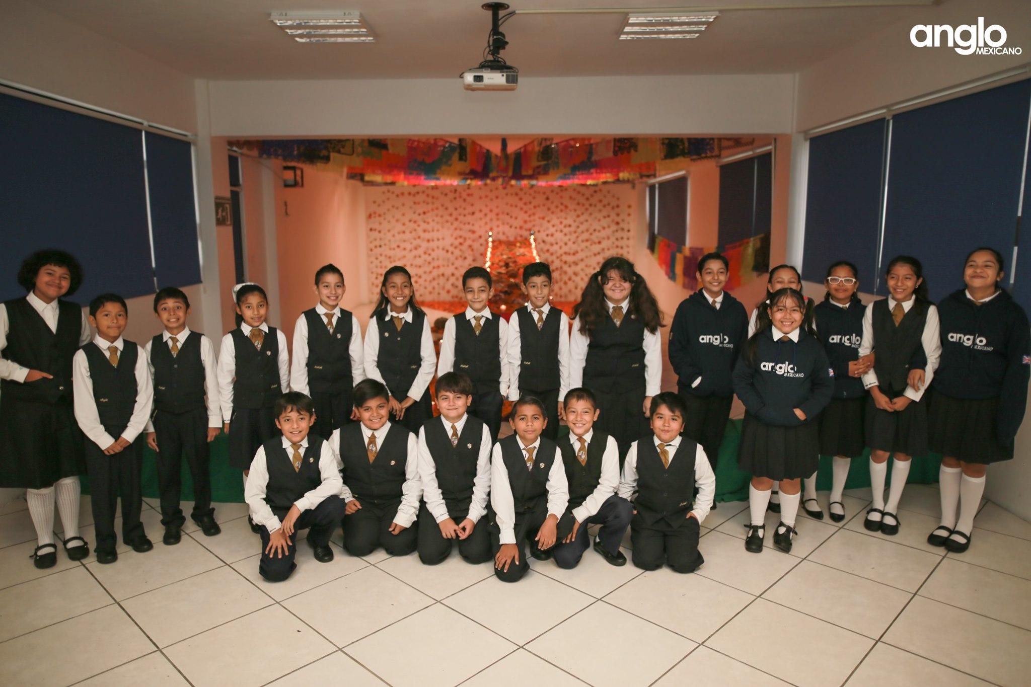 ANGLO MEXICANO DE COATZACOALCOS-VISITA-ALTARES-013