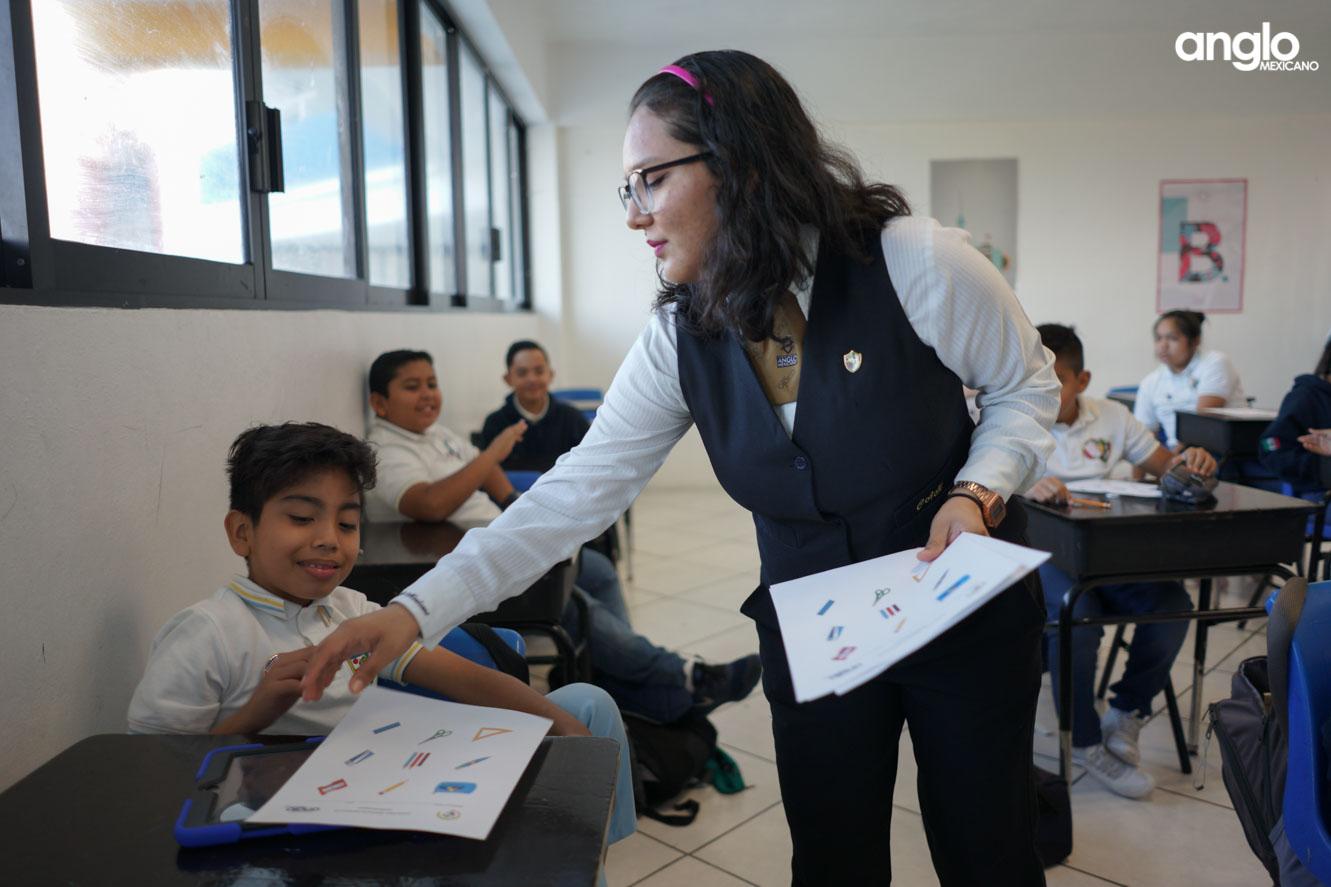 COLEGIO ANGLO MEXICANO DE COATZACOALCOS-UN DIA EN SECUNDARIA-05561