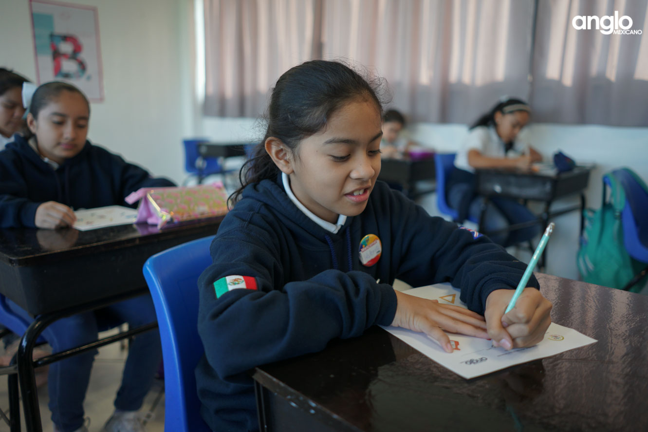 COLEGIO ANGLO MEXICANO DE COATZACOALCOS-UN DIA EN SECUNDARIA-05563